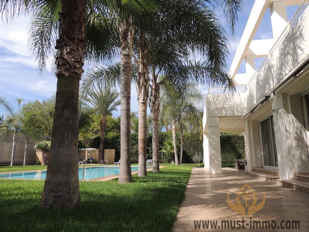 Villa moderne avec piscine et tout confort  beaux quartier de Rabat