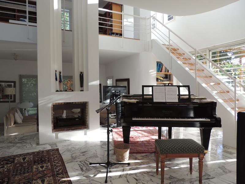 Villa design avec beau jardin et piscine la pin de rabat for Design appartement maroc