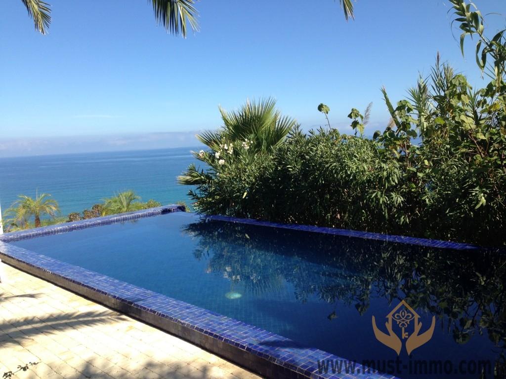 Tanger : Maison contemporaine, vue sur mer et piscine