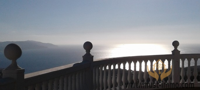 Villa de prestige dans les hauteurs de Tanger avec vue sur mer