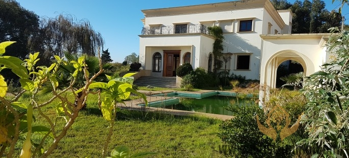 Beautiful Vast Prestige Villa with swimming pool and views of Tangier
