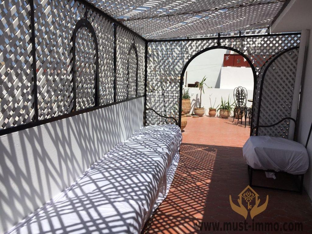 Maison lumineuse avec commerce    ancienne médina Tanger