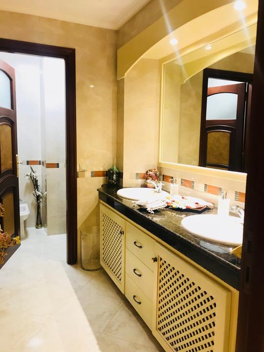 Appartement à louer à Tanger :  salle de bains