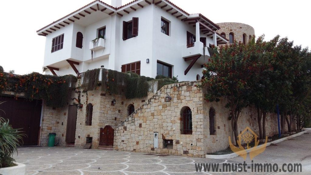 05_villa_del_alba_fachada_este