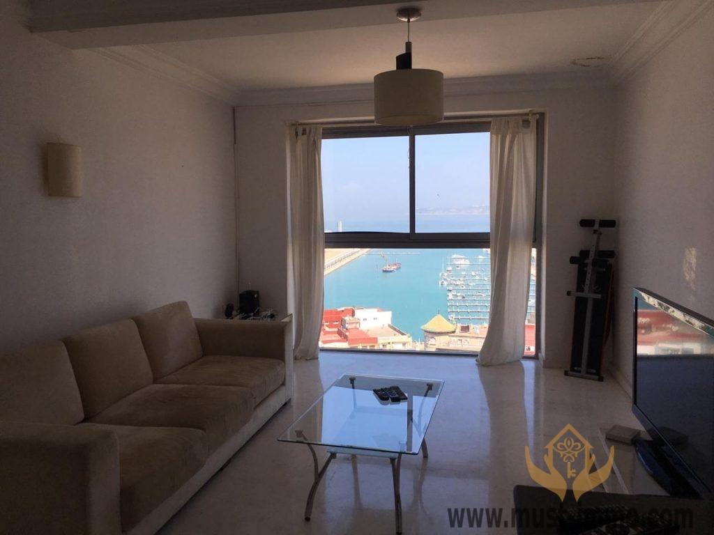 Tanger centre ville : appartement avec très belle vue sur la marina