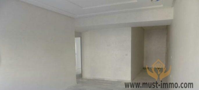 Appartement vide de 3 chambres proche quartier administratif
