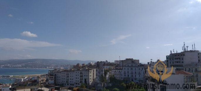 Tangier : Entire building with sea views to renovate as an exciting new project