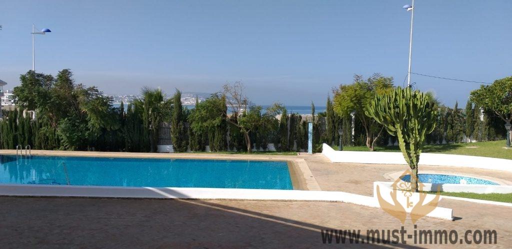 Tanger, Malabata : belle villa avec jardin à louer