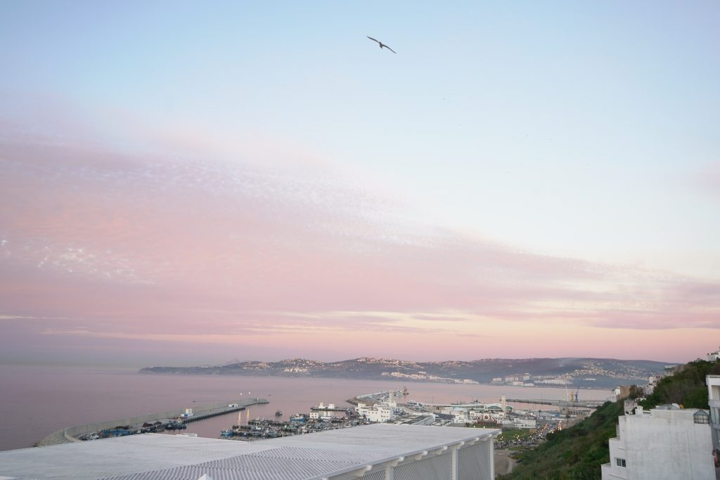 Magnifique maison à Marchan avec vue panoramique sur la mer et Tanja Marina bay