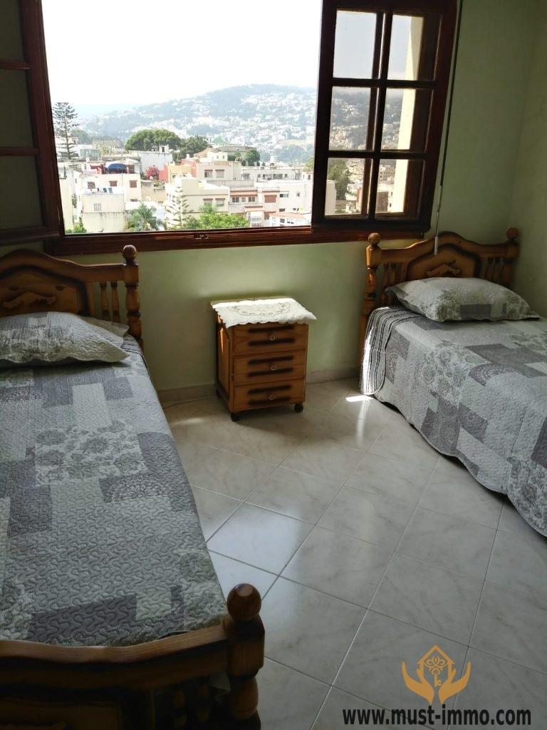 Tanger: Ibéria, étage élevé : appartement à louer