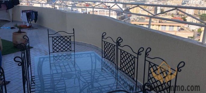Top floor apartment with panoramic views of Tangier