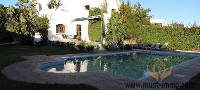 Villa à vendre à Casablanca, quartier Anfa