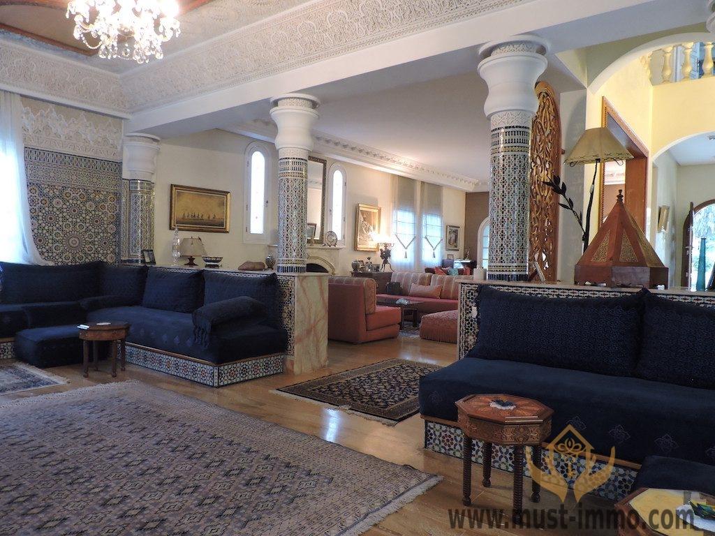 Villa à vendre à Casablanca, quartier oasis