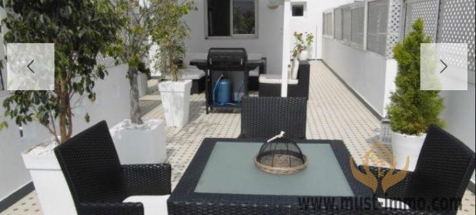Casablanca, Racine: Location appartement dernier étage, belle terrasse, sans vis-à-vis