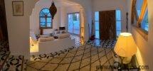 Villa moderne de vacances bord de mer et montagne avec jardin et piscine
