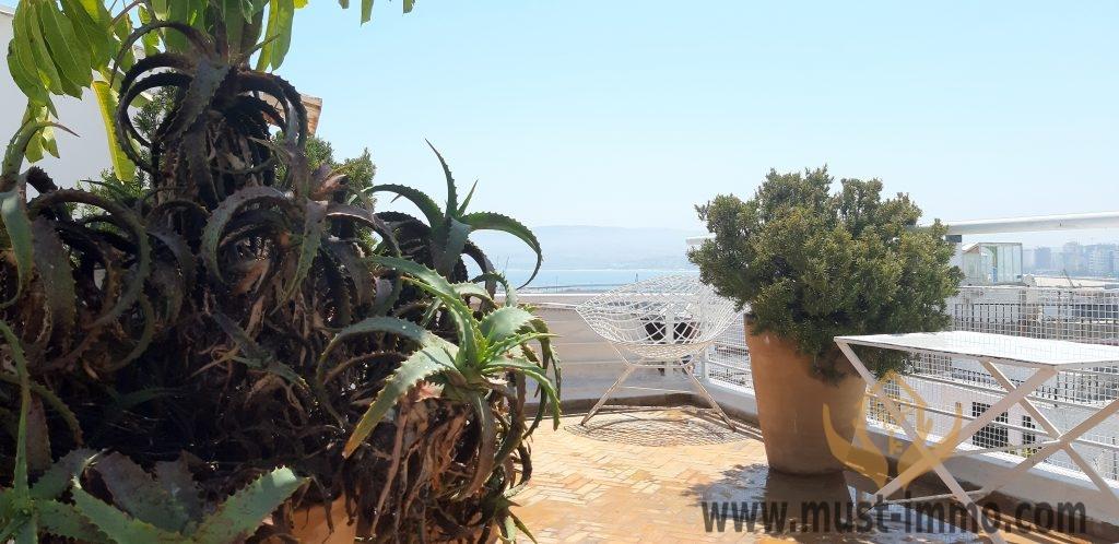 Spacieux Loft avec patio et rooftop vue sur la baie de Tanger