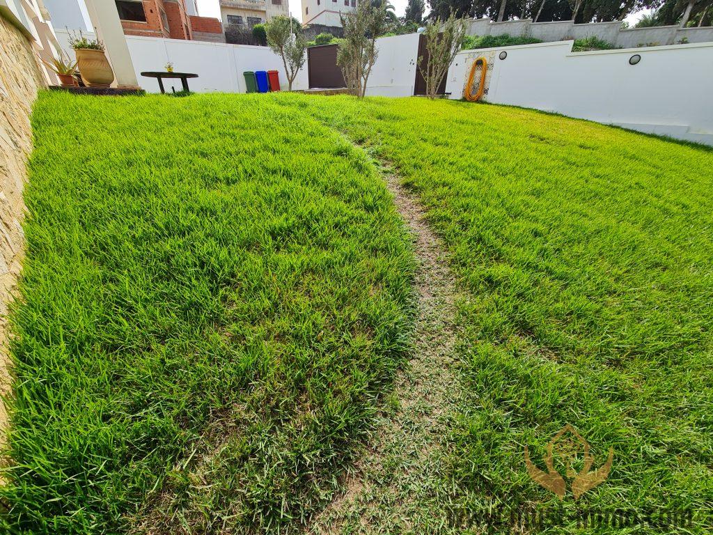 Villa moderne avec vue et jardin proche golf et California